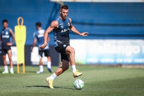 Grêmio poupa quatro titulares para encarar o Fortaleza