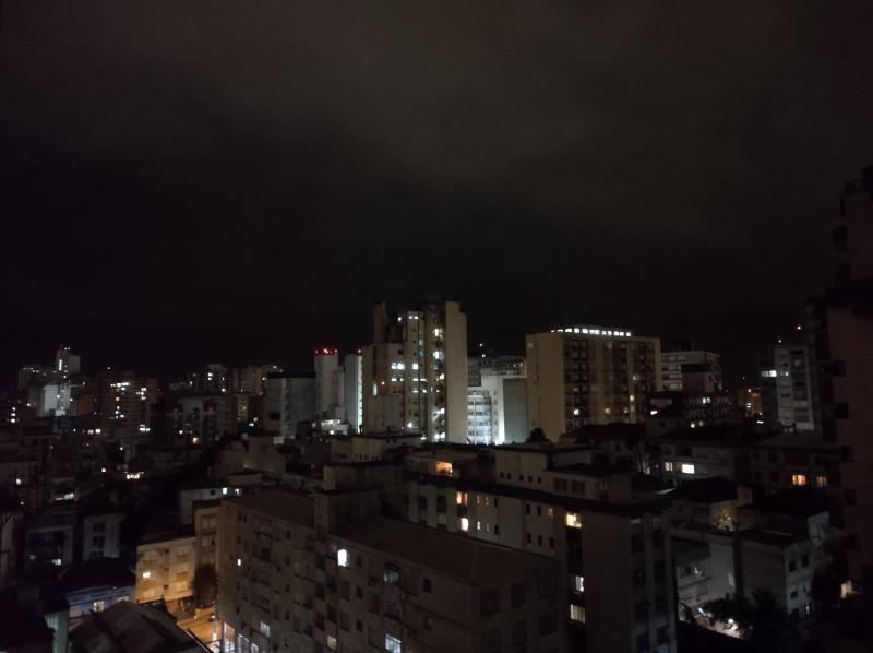 Em Porto Alegre, tempo começou a virar perto das 23h, com fortes rajadas de vento