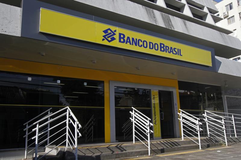 Investidores cobram posição oficial do governo, após Bolsonaro criticar plano de reestruturação do banco