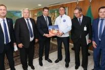 Presidente da AL leva a Bolsonaro pedido do setor de eventos para prorrogação do auxílio emergencial