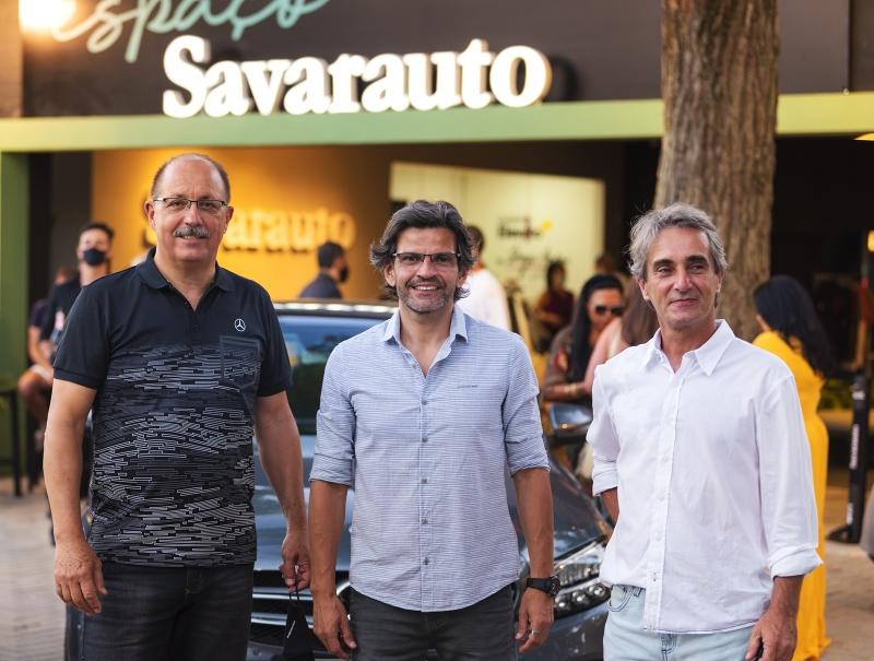 Elizeu Pereira, Cesar Palermo e Cleber Lino receberam os convidados no Espaço Savarauto