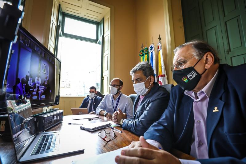 Melo participou de videoconferência com o ministro da Saúde e fez a conta das doses