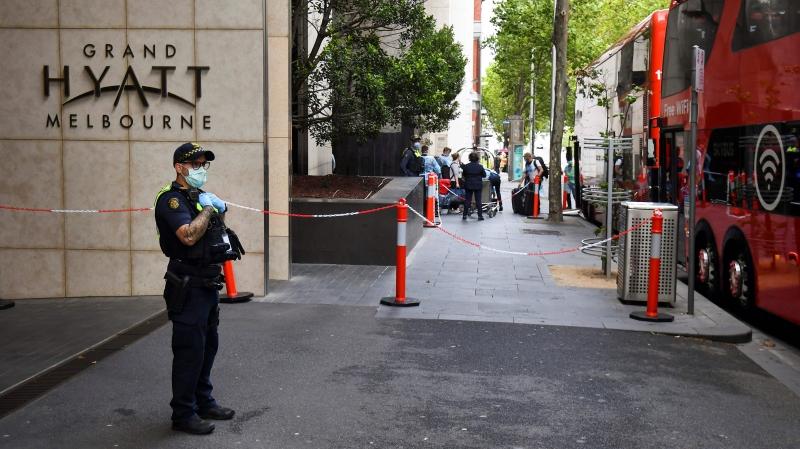 Um funcionário do Grand Hyatt Hotel, em Melbourne, testou positivo para o novo coronavírus nesta quarta-feira (3)