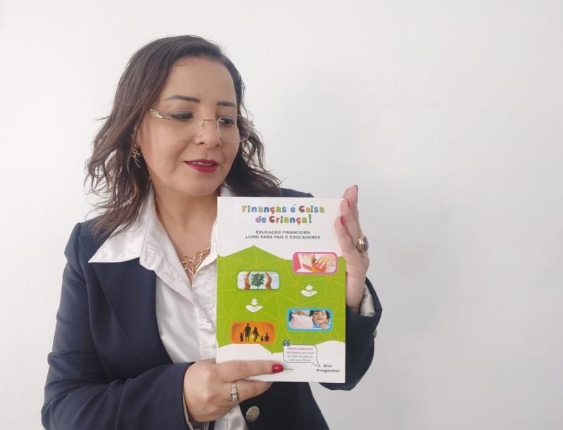 Ana Pregardier criou método 'Programa Finanças é Coisa de Criança'