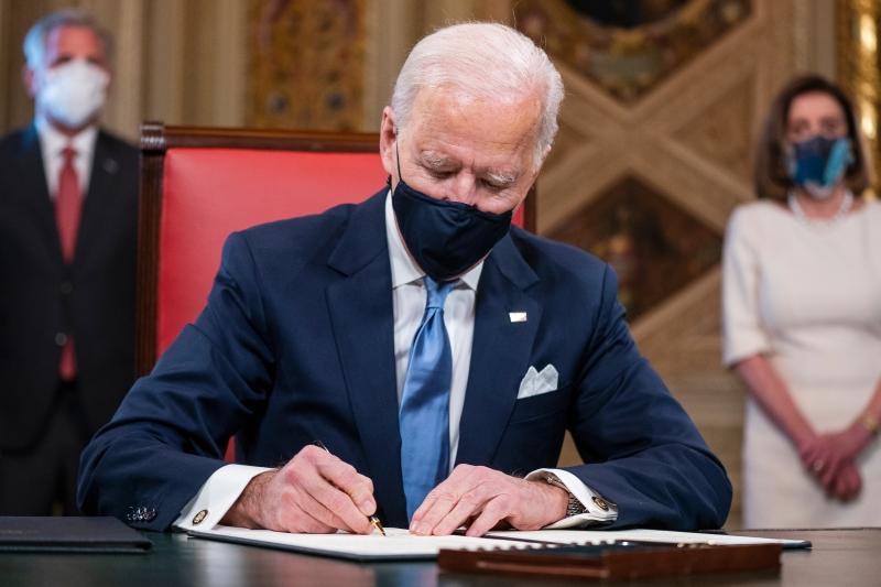 Decisão do presidente faz parte do plano do Executivo para combater a pandemia de Covid-19