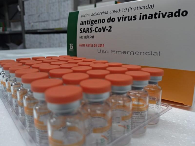 Mais de 76 mil gaúchos de grupos prioritários já foram vacinados