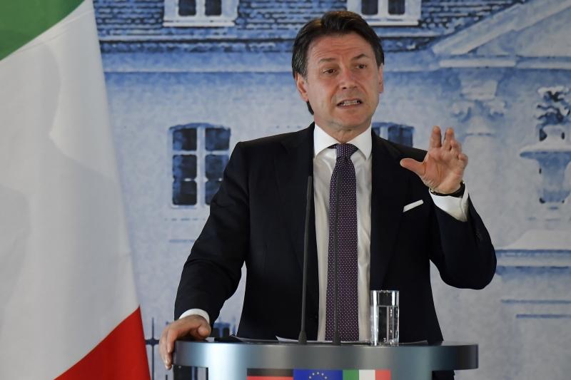 Atuação do primeiro-ministro durante pandemia foi amplamente criticada por autoridades