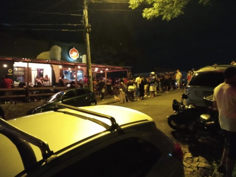 Também foram desfeitas três festas clandestinas no 4º Distrito e nos bairros Santo Antônio e São Geraldo na madrugada de sábado para domingo