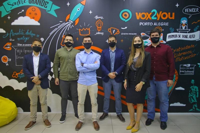 Matéria sobre franquia de oratória que chegou a Porto Alegre, a Vox2You