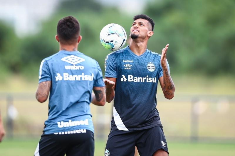 Na zaga, Rodrigues surge como a principal opção