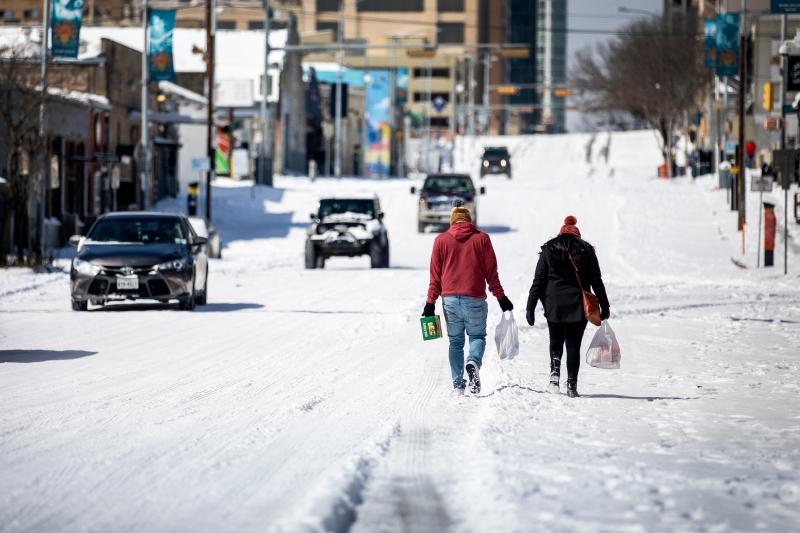 Condições do Ártico levaram a níveis recorde de temperaturas baixas em vários estados pouco acostumados, como o Texas