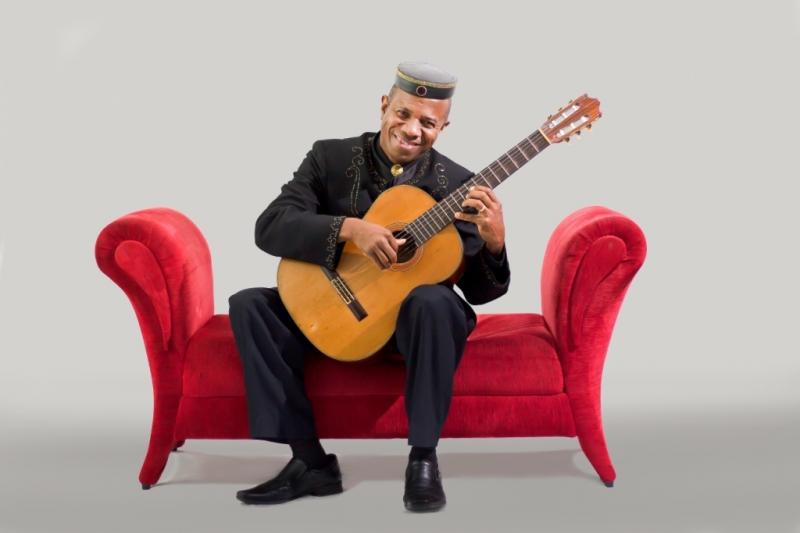 Violonista capixaba Mestre Robson Miguel apresenta repertório no sábado (20)
