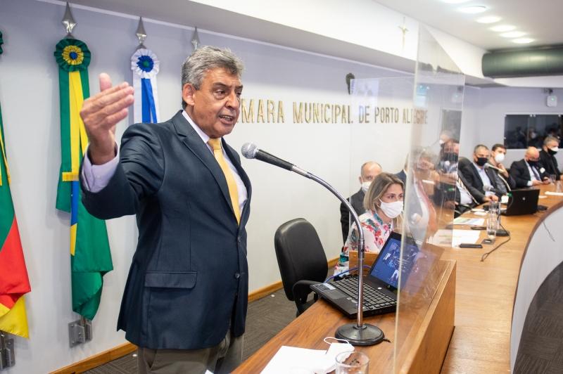 Na Câmara, Melo informou que vai a Brasília encontrar Bolsonaro nesta terça-feira