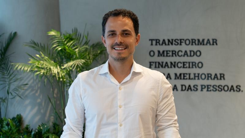 Godoy comenta que é importante saber desde pequeno que o dinheiro é feito para atingir objetivos