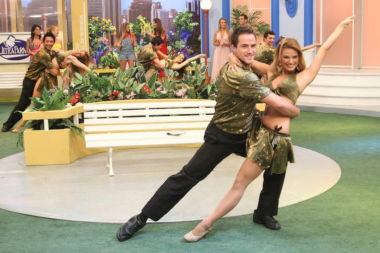 Ator e bailarino, começou a fazer parte do corpo de balé da emissora no início dos anos 2000