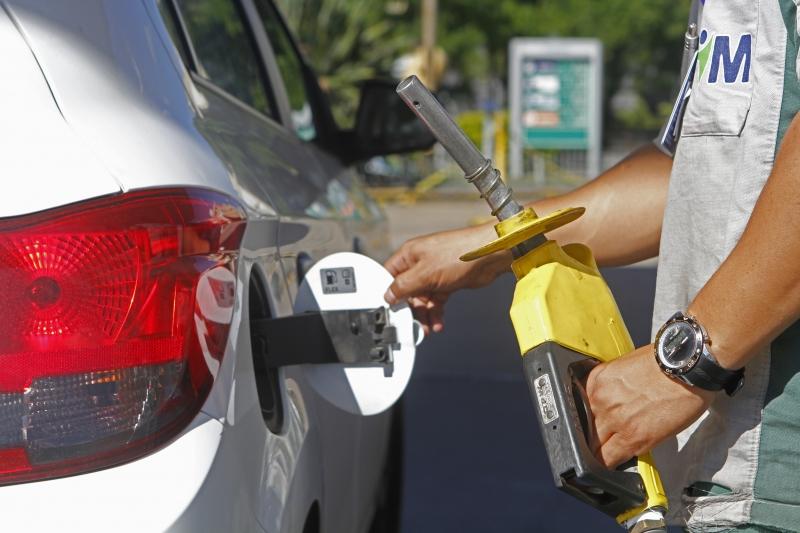 Gasolina passou 2,39% para 5,59%, sendo um dos itens individuais de destaque