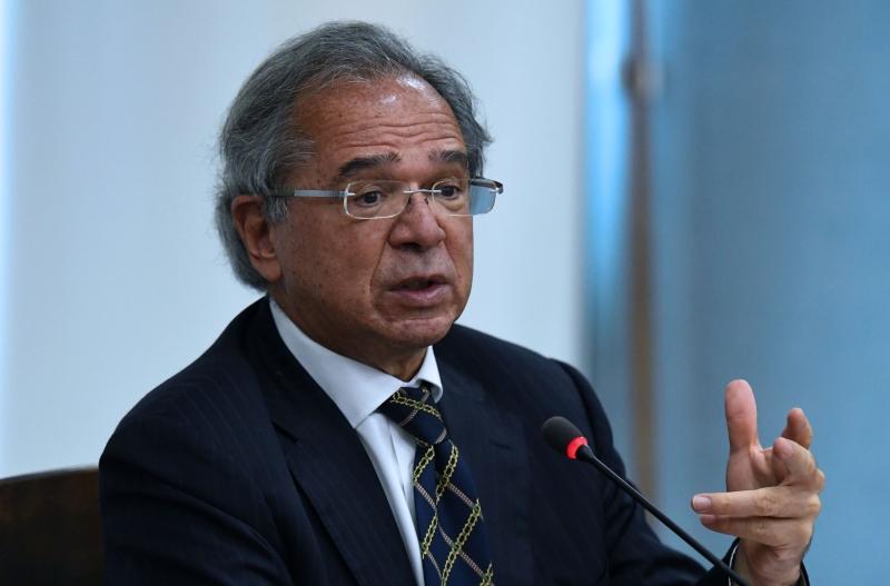 Ideia é taxar lucros e dividendos e reduzir a tributação sobre as empresas, afirmou Guedes