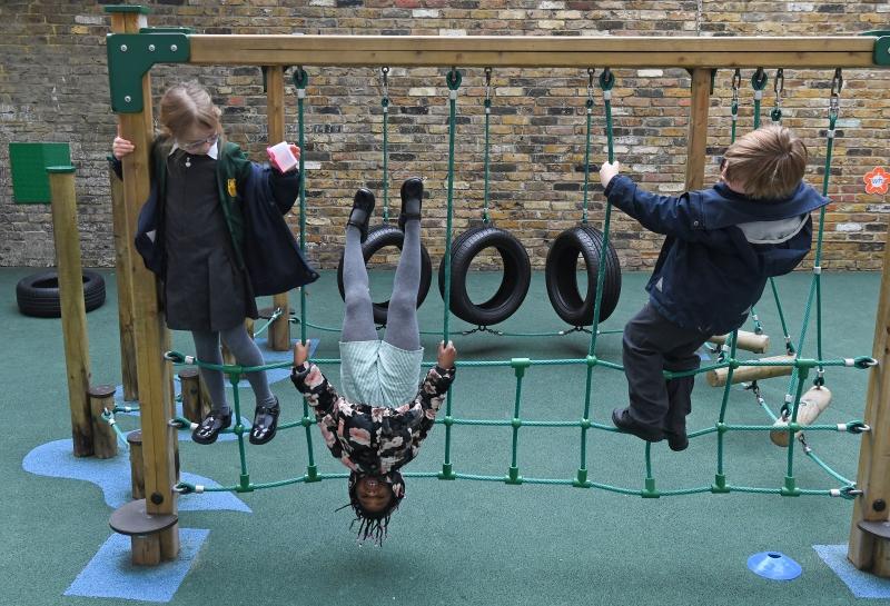Reino Unido está no meio de uma onda de Covid-19, impulsionada por casos em crianças com idade escolar