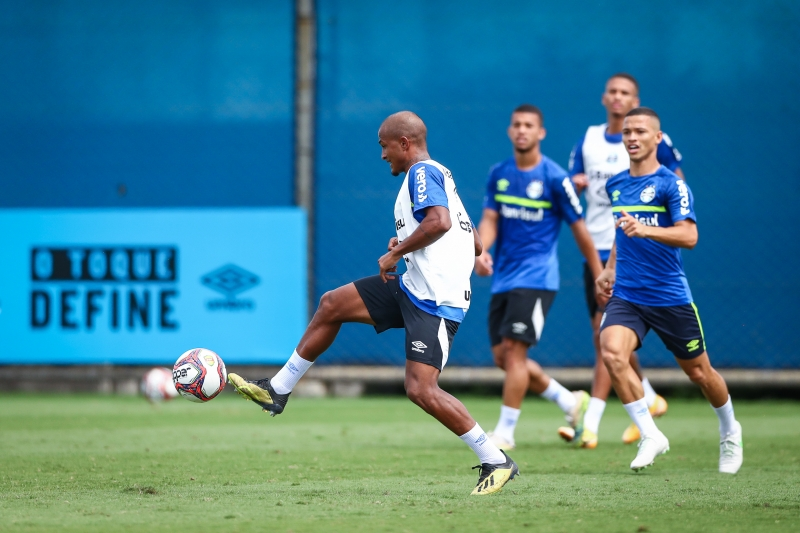 Com a lesão de Gui Azevedo, Léo Pereira será a novidade no ataque