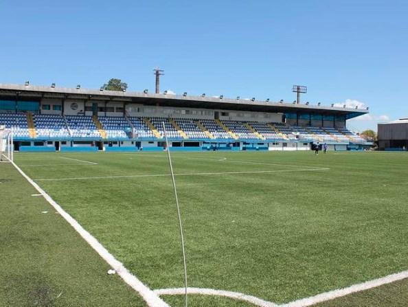 Público deverá ficar exclusivamente sentado nos estádios; eventos com mais de 2.501 pessoas estão proibidos
