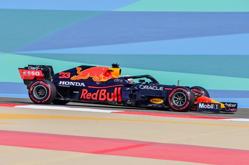 Piloto da Red Bull registrou o melhor tempo nos treinos livres, com 1min30s847