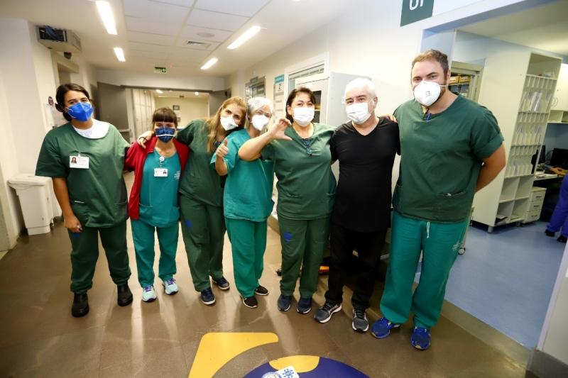 Equipe médica do HPS celebrou a recuperação do músico, que teve alta na manhã desta terça