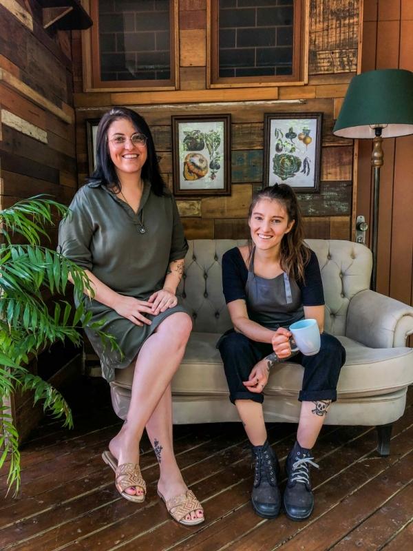 Lidia e Julia Fraguas são sócias do Café Angélica, novo espaço do bairro Bom Fim