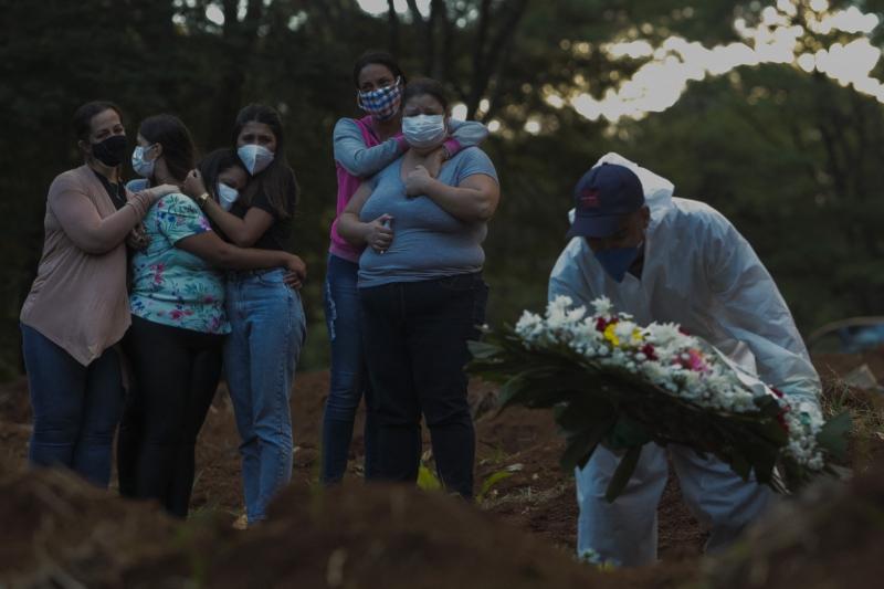 Nas últimas 24 horas, foram registradas mais 3.808 mortes