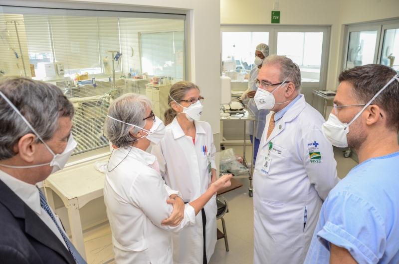 Após coletiva à imprensa, Marcelo Queiroga visitou o Hospital de Clínicas de Porto Alegre