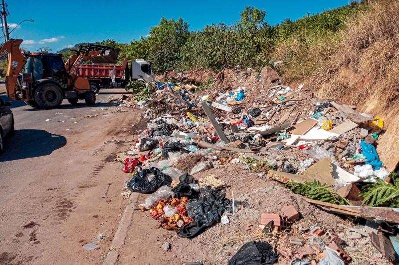 Prefeitura de Porto Alegre gasta, em média, R$ 1,7 milhão ao mês para recolher resíduos descartados irregularmente