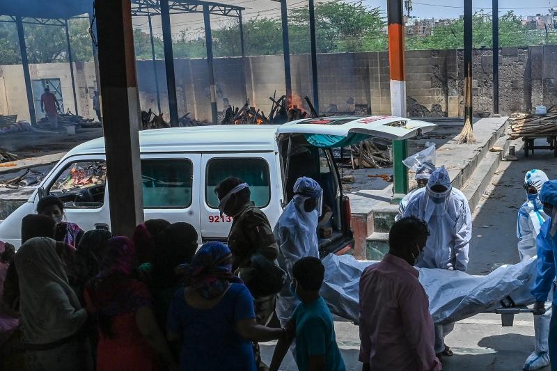 A Índia é um dos países que mais sofrem com a explosão de casos e falta de estrutura de saúde