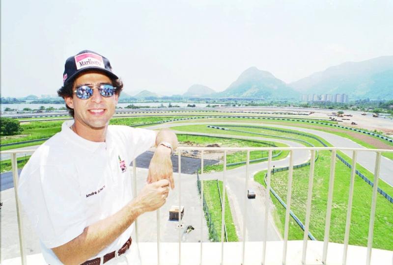 Ribeiro foi o único brasileiro a conseguir vencer uma prova da Fórmula Indy no Brasil, em 1996