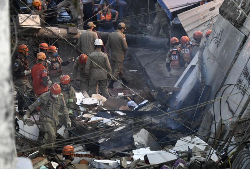 Os primeiros feridos já resgatados foram levados para o Hospital Municipal Lourenço Jorge, na Barra da Tijuca