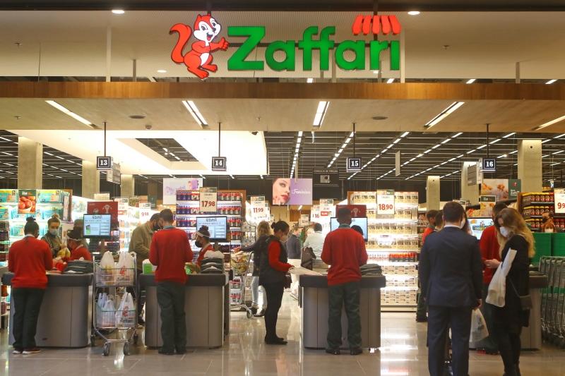 Loja tem área de vendas de 1.700m², 12 checkouts convencionais e mais quatro self checkouts