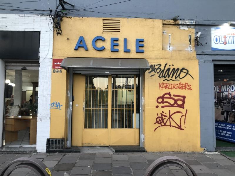 Escola popular no bairro Bom Fim deixou a sede onde funcionou por mais de 20 anos