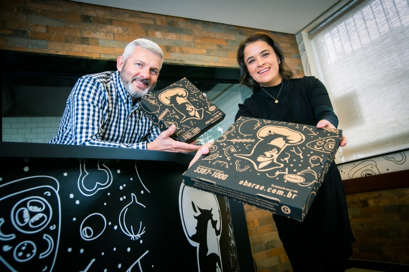 André e Ana Brandt são sócios da pizzaria O Barão, que sempre apostou na tele-entrega
