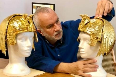 Severo Luzardo é o criador de adereços e figurinos de Genêsis
