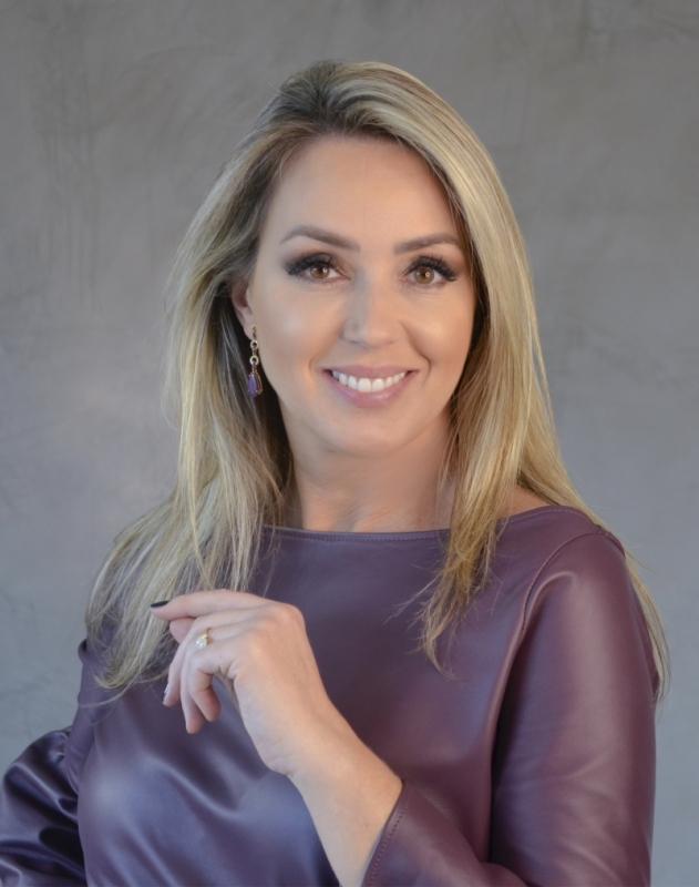 A jornalista Carla Fachim trabalhou durante 25 anos na RBS TV