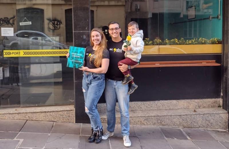 Karolina Gabe e  Deivis Becker são os novos proprietários da cafeteria Sr. Gabo