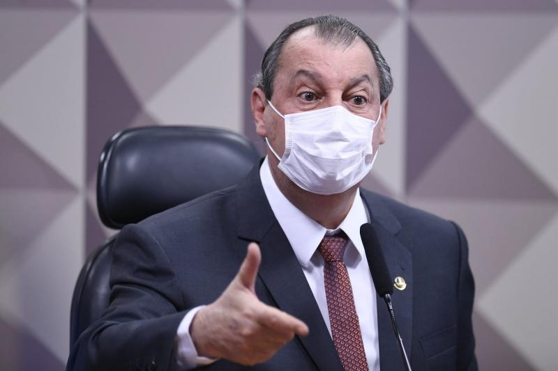 Senador Omar Aziz, que preside a CPI, é um dos autores da proposta