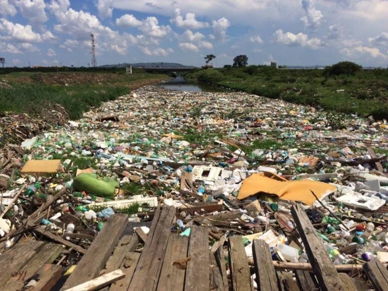 Gravataí é considerado um dos 10 rios mais poluídos do Brasil; captação e tratamento de água com qualidade ruim do manancial encarecem atividades da indústria na bacia hidrográfica
