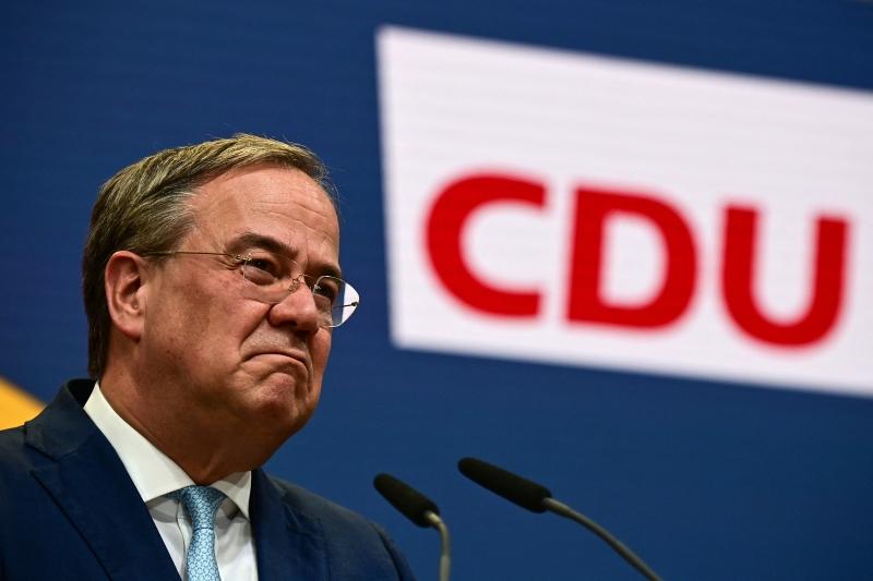 Entre os que deixarão seus cargos está o atual presidente da CDU, Armin Laschet