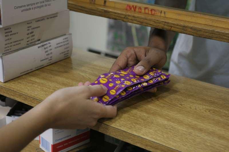 Camisinha, pílula, injeção e DIU de cobre são oferecidos pelo SUS