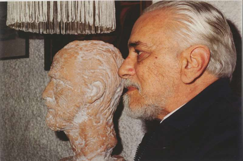 Um dos grandes nomes da literatura gaúcha, Josué Guimarães faleceu em 1986
