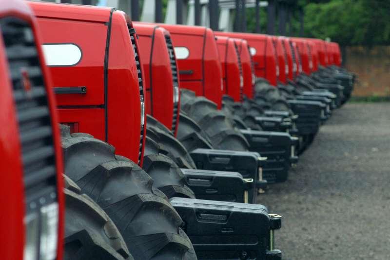 A cada máquina comprada, quatro trabalhadores foram dispensados