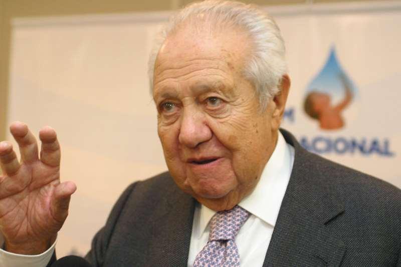 Soares é ícone da história da democracia portuguesa e veio ao Fórum Social Mundial em Porto Alegre