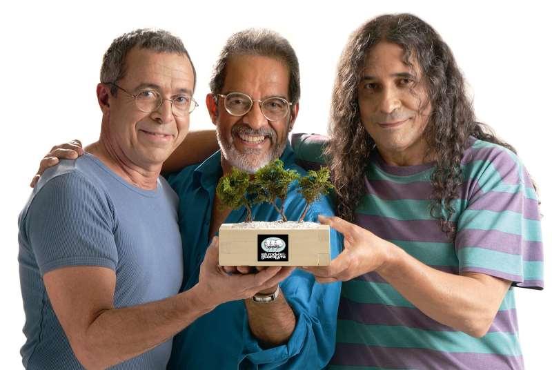 Músico e escritor Zé Rodrix (ao centro), com os colegas Sá e Guarabyra, morreu em 2009