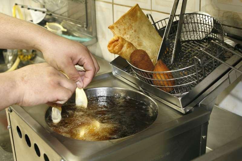 Cantinas escolares não poderão mais oferecer alimentos fritos aos estudantes