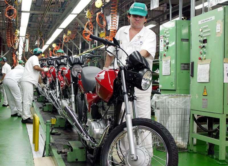 Maior atividade das fábricas deve-se ao aumento das vendas externas