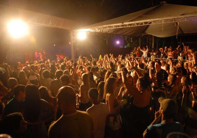 Cobrança diferenciada para homens e mulheres em eventos e festas é ilegal